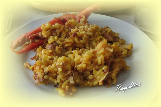 ARROZ CON POLLO CAMPERO Y BOGAVANTE