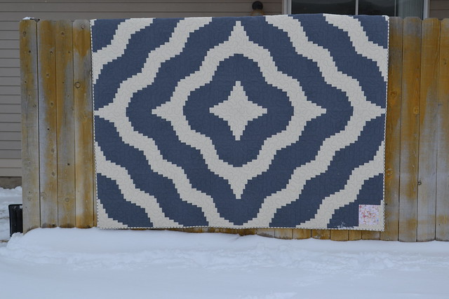 Curved Log Cabin Quilt Finished