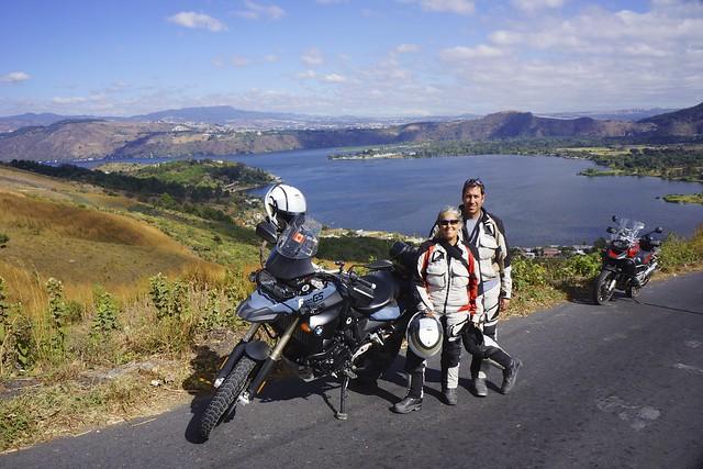 Lago Amititlan Sara Dan