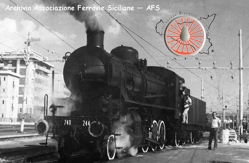 034 - Febbraio 2013 - Sbuffi di vapore nel deposito di Messina 8440997394_347e696b4c_c