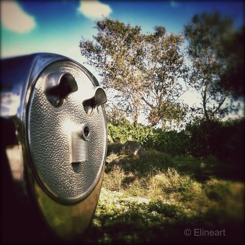 72:365 Faces in Places by elineart