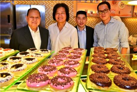 The brains behind the success of J.CO donuts -Mr.Carlos Chan - Chairman, CFI, Mr. Johnny Andrean - Founder of J.CO Donuts, Mr. Edgar Sia - Vice Chairman, CFI and Mr. Oszen Chan - President, CFI