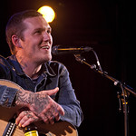 Mon, 18/07/2016 - 10:19pm - Brian Fallon (Gaslight Anthem) performs solo songs for an audience of WFUV members at The McKittrick Hotel (home of Sleep No More), 7/18/16. Hosted by Dennis Elsas. Photo by Laura Fedele