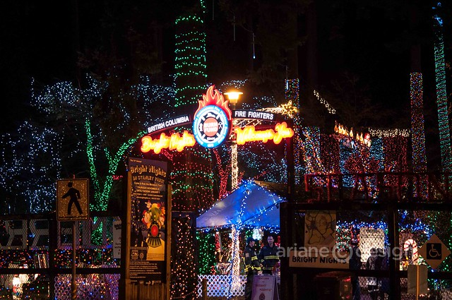 Vancouver Trolley Xmas Karaoke Tour/Bright Nights at Stanley Park