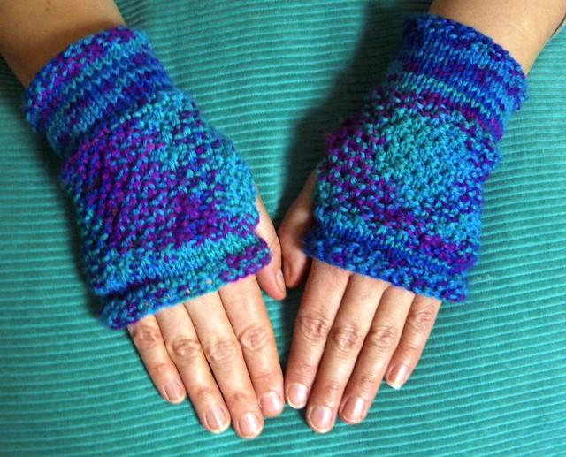Moss Stitch Hand Warmers