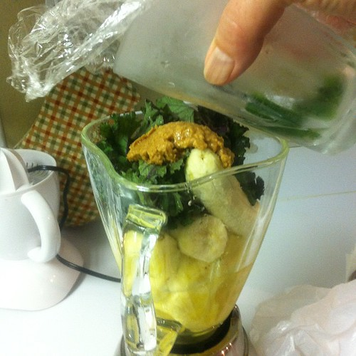 Mahalopeno of the day - kale, pineapple, peanut butter, jalapeño infused water and a banana