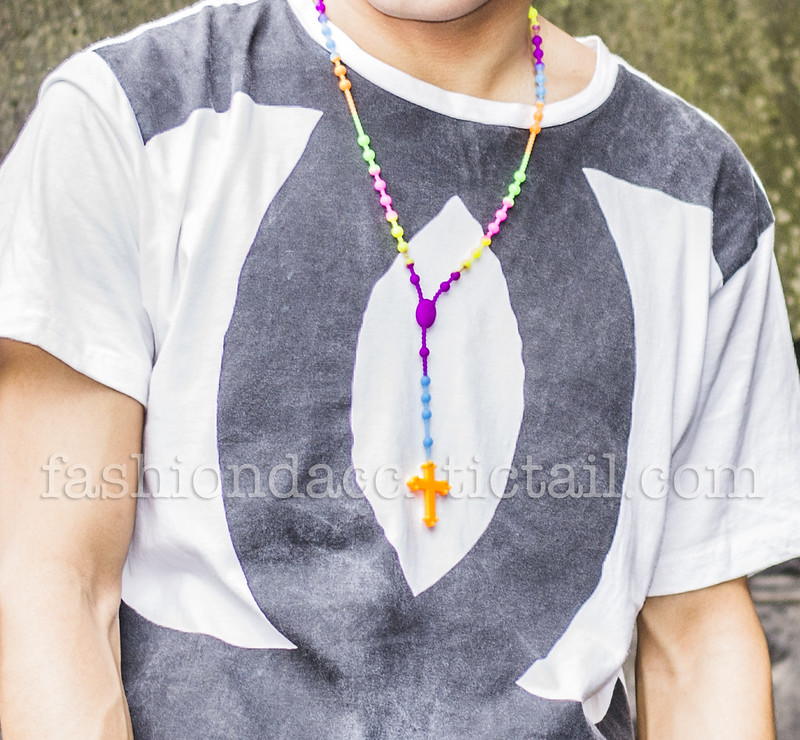 blog 2 rubber cross necklace on 5preview副本