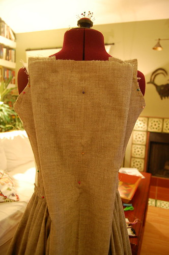 Making a robe a l'anglaise 11