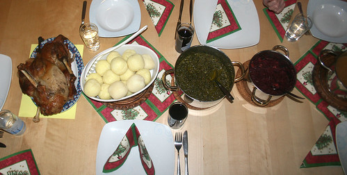 Gans mit Rotkohl, Grünkohl & Klößen / Duck with red & green cabbage & dumplings