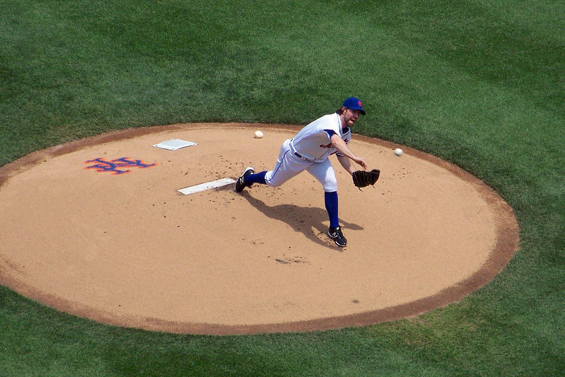R.A. Dickey pitches for the New York Mets on May 27th, 2012 (Photo credit: Paul Hadsall)