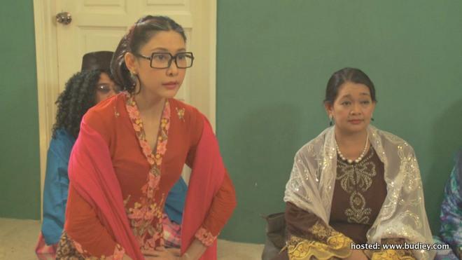 lakonan Nasha Aziz dalam 7 Dulang Asam Pedas