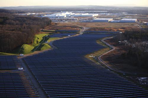 Volkswagen будет получать энергию от солнечной фермы