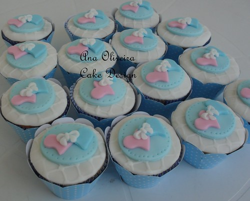 Cupcake coração azul by Ana Oliveira Cake Design