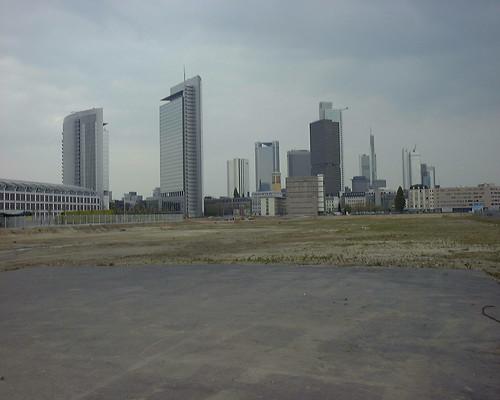 Leere Fläches des ehemaligen Güterbahnhofs West. April 2002