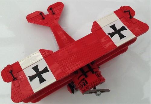 ausstellung exibition spielzeug lego baustein brick flugzeug airplane doppeldecker biplane jagdflieger albatrosdii derrotebaron redbaron neunkirchen saarparkcenter saarland deutschland germany