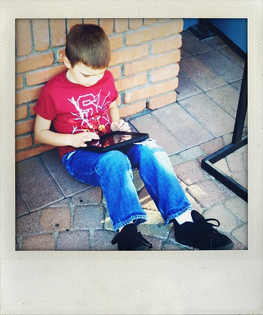 iPad keeps him busy in Palm Springs
