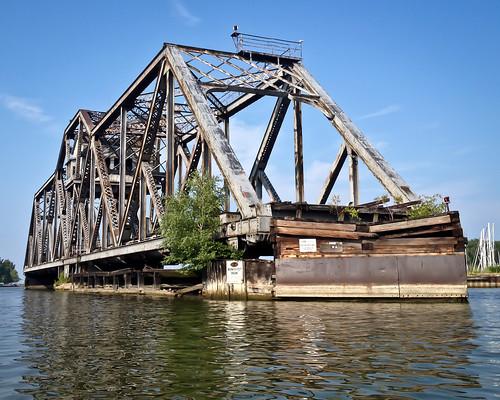 railroad bridge ny abandoned train charlotte rochester greece geneseeriver wny hojackswingbridge