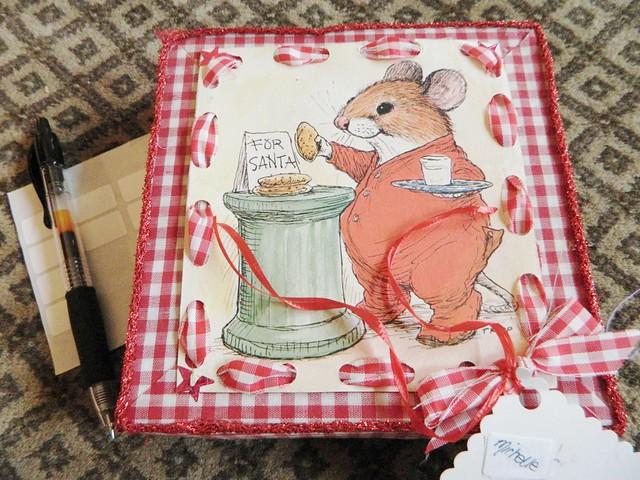 handmade christmas box via homeologymodernvintage.com