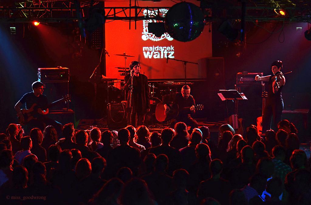 Majdanek Waltz 01