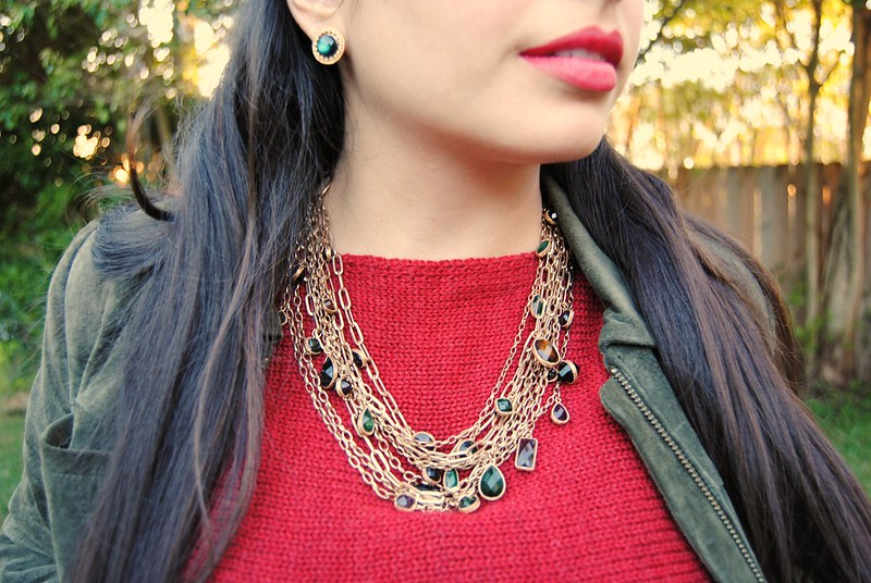 Chunky jewel necklace closeup