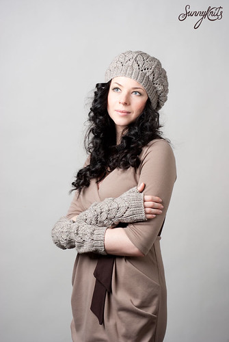 Moon hat and mittens