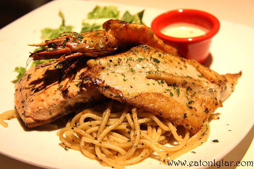 Seafood Combo, Hot Tomato Café & Grill