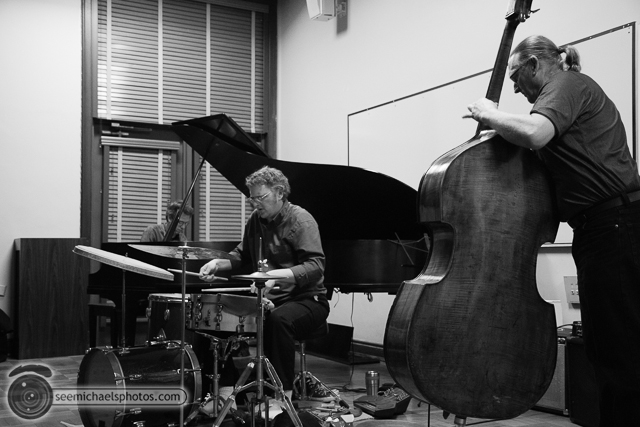 Scott Walton Trio at USD 11713 © Michael Klayman-002