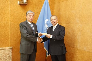 NEW PERMANENT REPRESENTATIVE OF GREECE PRESENTS CREDENTIALS TO DIRECTOR-GENERAL OF UNOG