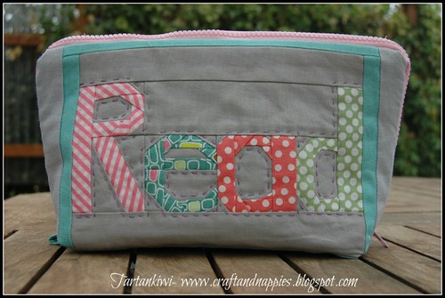 sweet little pouch- back