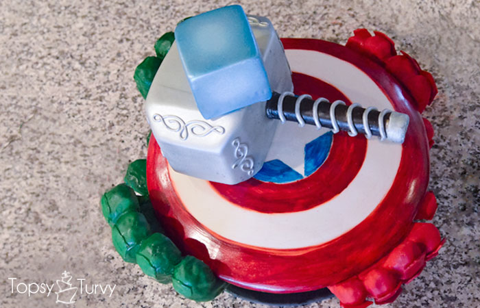 avengers-carved-birthday-cake-shield-hammer-glove-top