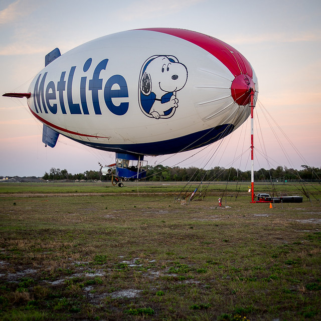 Metlife Blimp Jan 2013