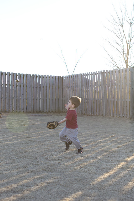 practicingbaseball_2