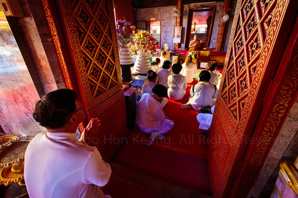 Praying, Wat Phrathat Doi Suthep @ Chiang Mai, Thailand