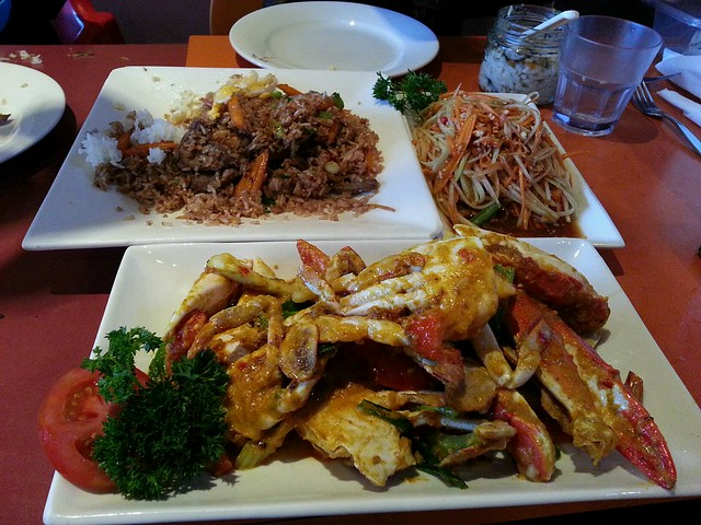 Curry powder crab, papaya salad, Thai fried rice with beef ...