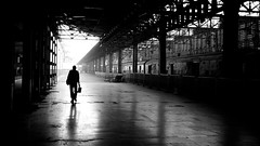 [Free Images] People, People - Behind, Station / Railway Platform, Black and White, Landscape - India ID:201301041200