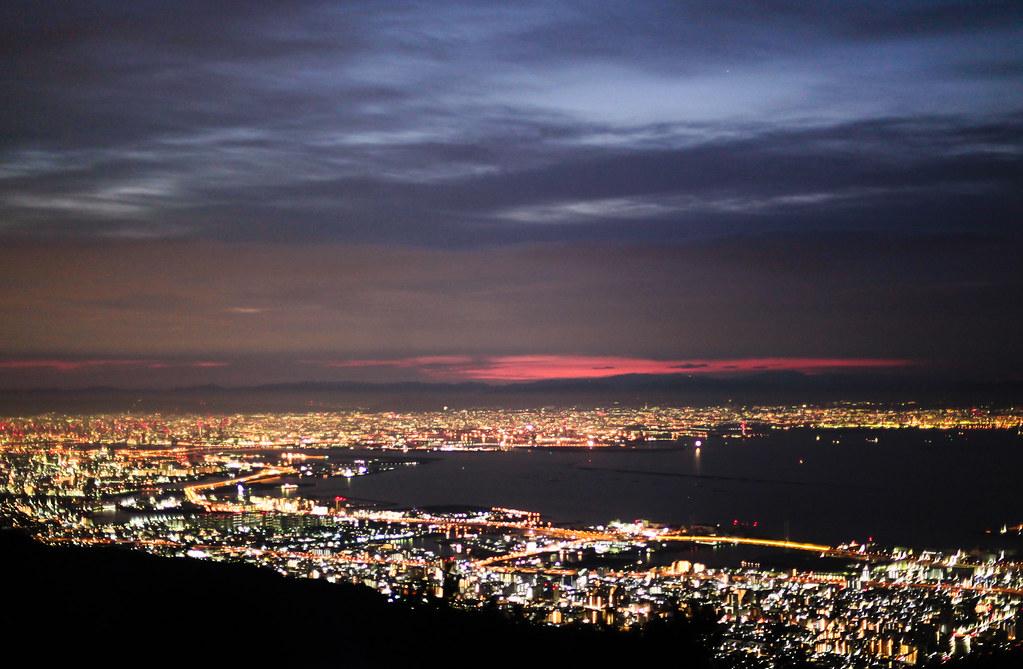 Uzumoridai 4 Chome, Kobe-shi, Higashinada-ku, Hyogo Prefecture, Japan, 0.077 sec (1/13), f/1.4, 50 mm, EF50mm f/1.4 USM