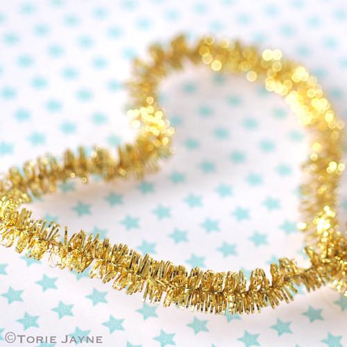 Mini gold tinsel