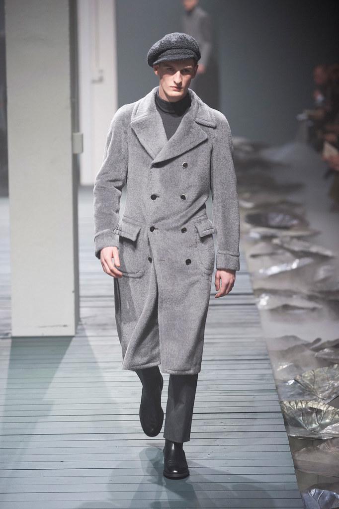 FW13 Milan Corneliani008_Thomas Sottong(fashionising.com)