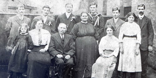 The family from 151 Coggins Row, Hodthorpe ... my family