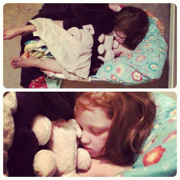 #bestsleepingpicever #aidkaid #scoozdog #yesthatsalaundrybasket omg I love my kids.