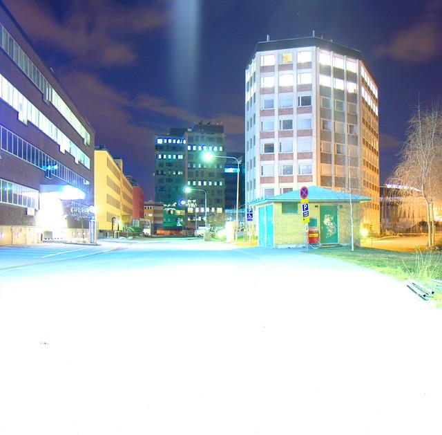 IMAGE: http://farm9.staticflickr.com/8356/8266787000_0713c66288_z.jpg
