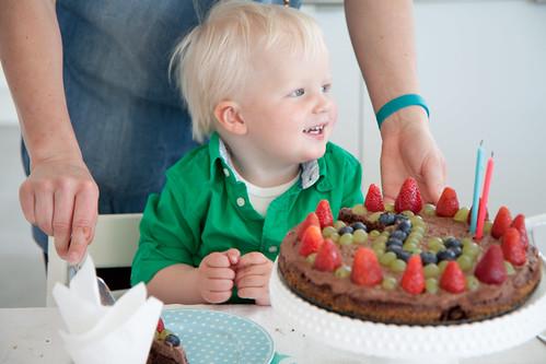 Hugo fyller 2år