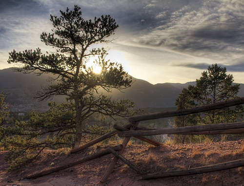 colorado springs usa garden mountain sun sky clouds tree sunset nature landscape hdr canon60d digital dslr