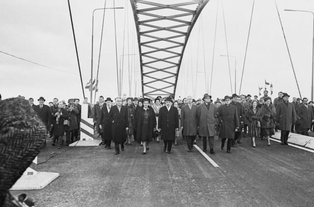 Van Brienenoordbrug opening, 1 februari 1965