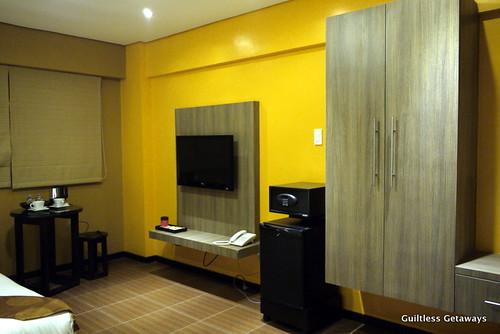 isuites-zen-room.jpg