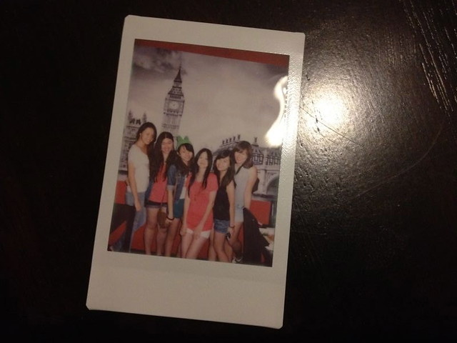 London Town Publika Polaroid