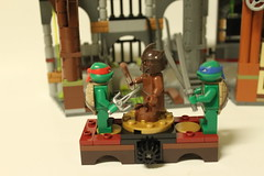 LEGO Teenage Mutant Ninja Turtles Turtle Lair Attack (79103)