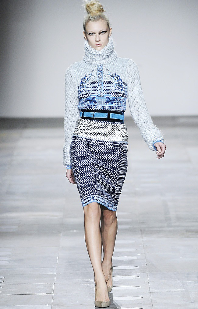 5 Mary_Katrantzou_AW12_Catwalk_Look_20_Photographer_First_View