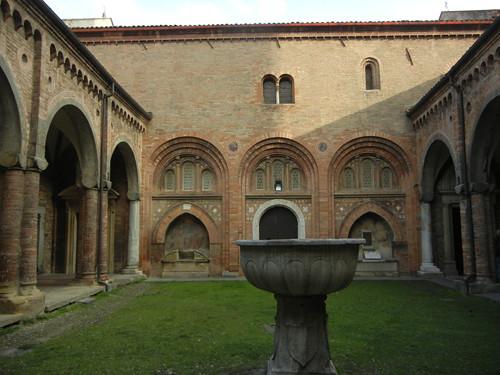 DSCN4937 _ Basilica Santuario Santo Stefano, Bologna, 18 October