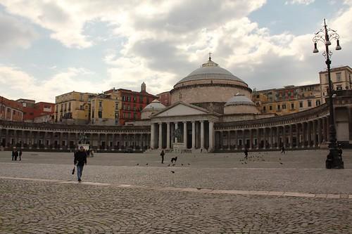 Piazza del Plebiscito: Basilica di San Francesco di Paola